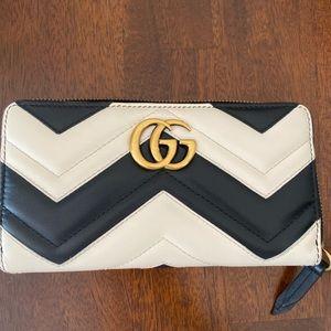 Gucci Matelassé Marmont Zip Around Wallet